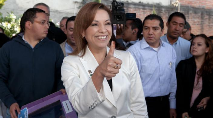 Five reasons why Josefina could become 'la primera Presidenta Mexicana'
