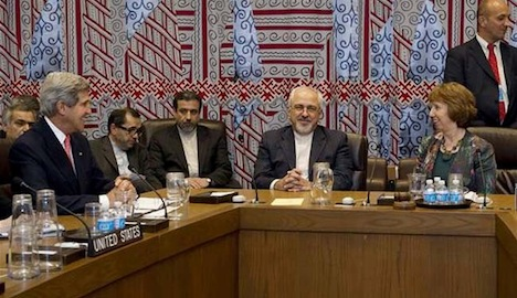 Iran nuclear talks: Kerry and Zarif meet at the UN