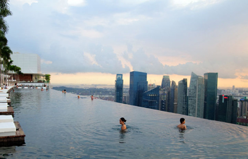 Is lee kuan yew s role in singapore s rise overrated suffragio - Singapore marina bay sands infinity pool ...