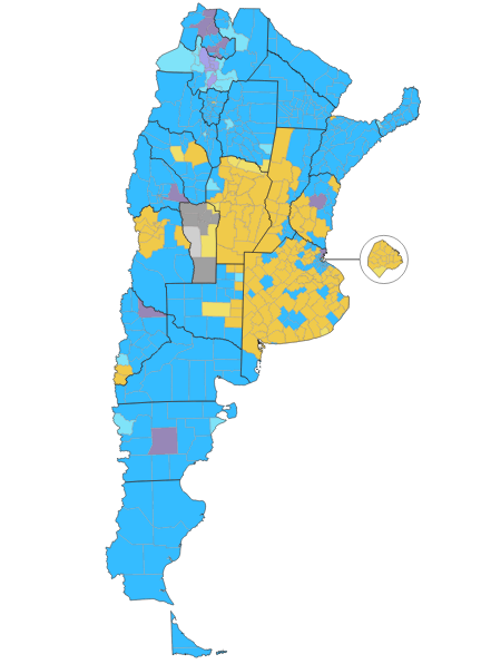 Scioli leads departments shown in blue; Macri in orange; and Massa in violet. (Clarin)