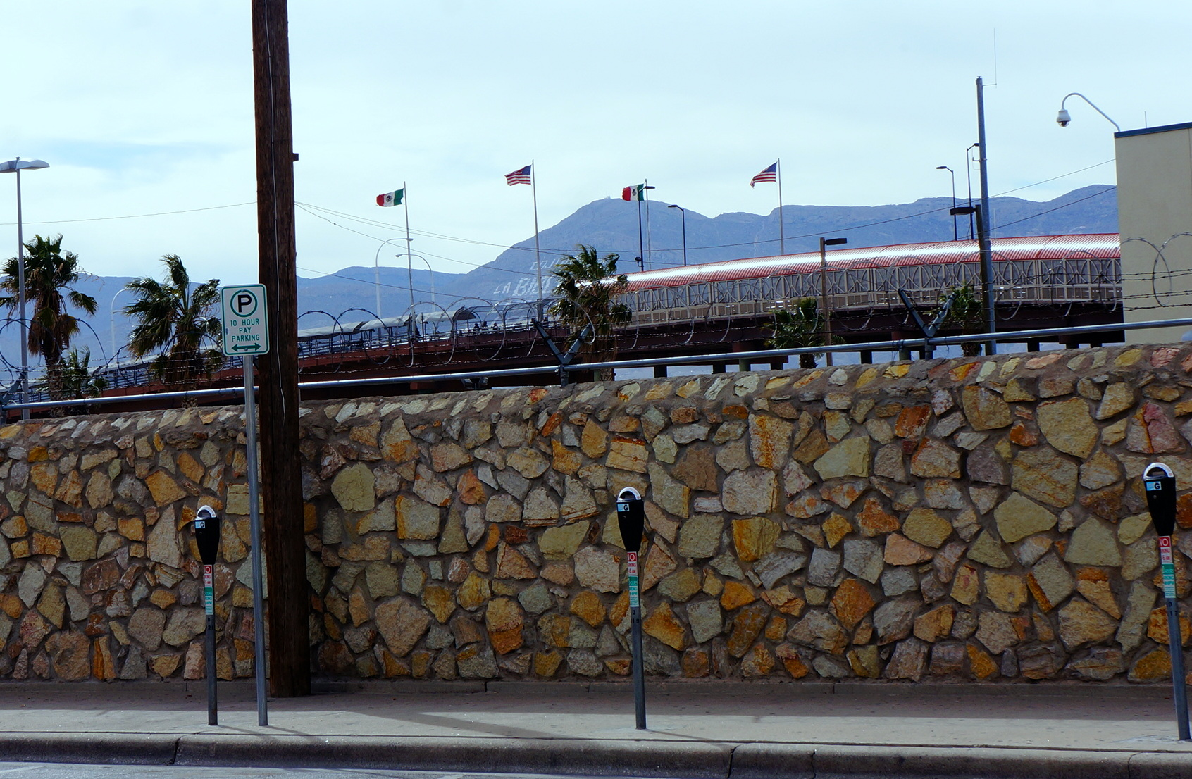 photo essay crossing the el paso juarez border suffragio the paso del norte bridge completed in 1967 is one of four points of entry to juatildeiexclrez from el paso and it features a pedestrian walkway kevin lees