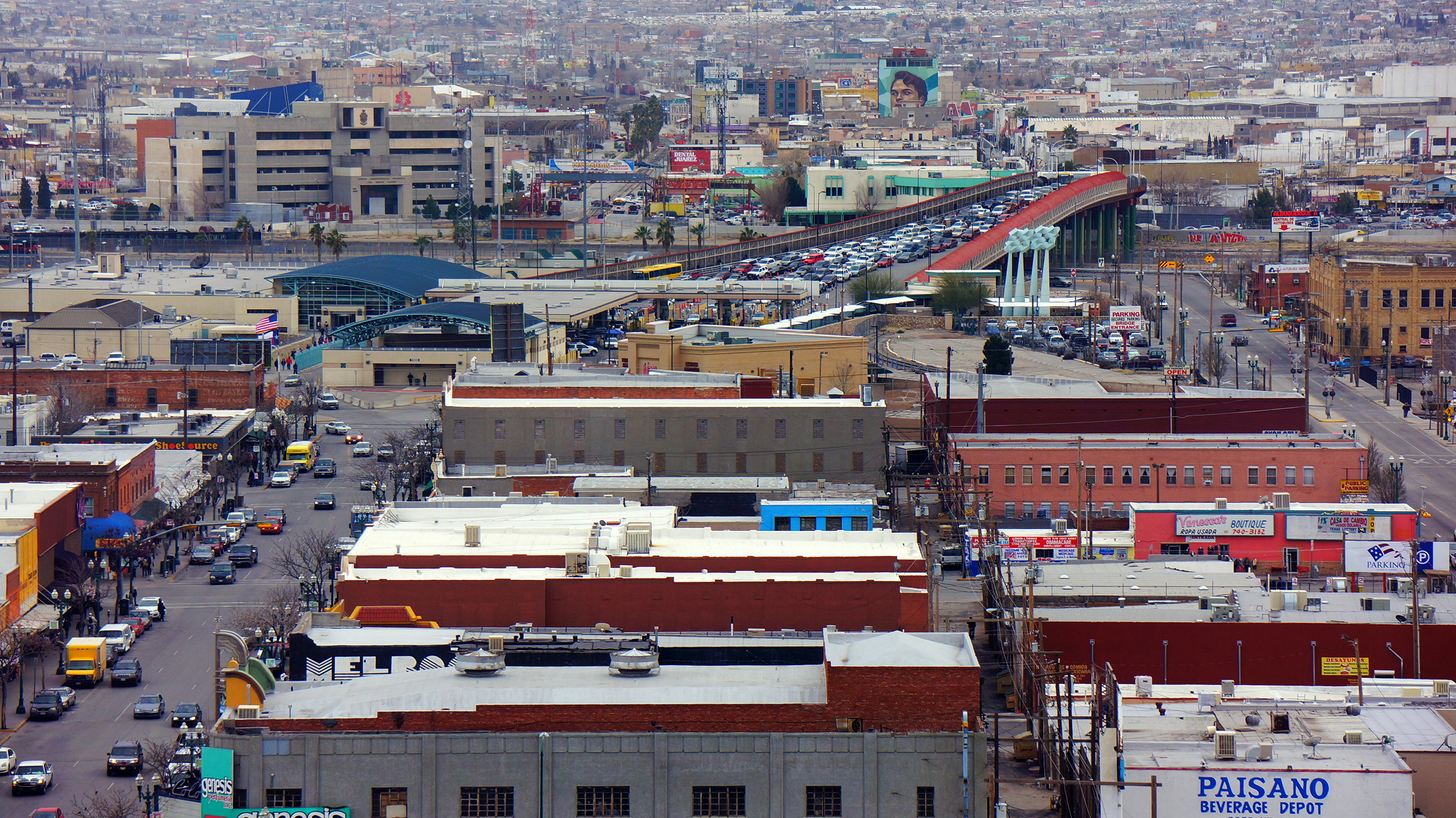photo essay crossing the el paso juarez border  a view of el paso juaacuterez and the international border that separates them as seen from the top of el paso s camino real hotel kevin lees