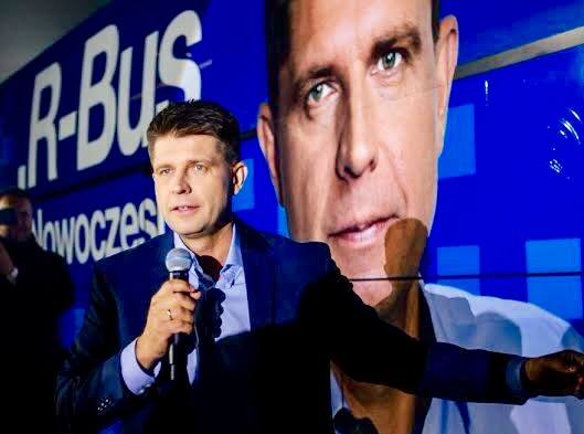 Even if the Tusk brand of economic liberalism is tainted among voters, economist Ryszard Petru's new 'Modernism' party has promised to hold Poland's new government accountable. (Facebook)