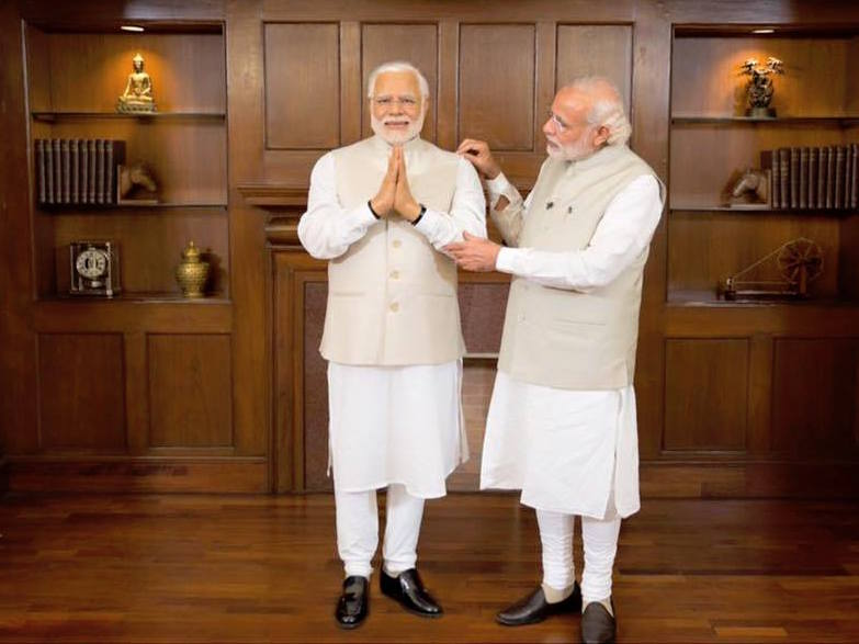 Prime minister Narendra Modi inspect his wax double at Madame Tussaud's. (Facebook)